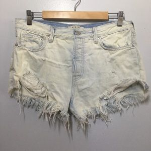 FREE PEOPLE WE THE FREE Distressed Denim Shorts 28